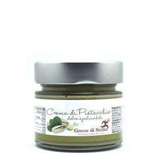 Sweet cream with pistachio