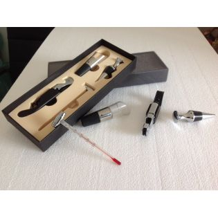 Walnut box for wines with accessories